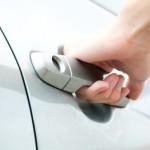 Как быть если провисли двери автомобиля. Делаем ремонт авто своими руками.