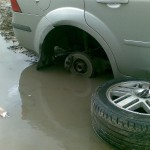 Что делать, если пробили колесо по вине дорожников?