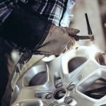 Все, что нужно знать о ремонте литых дисков.